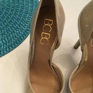 Patent BCBG Glossy nude pumps size 7.5