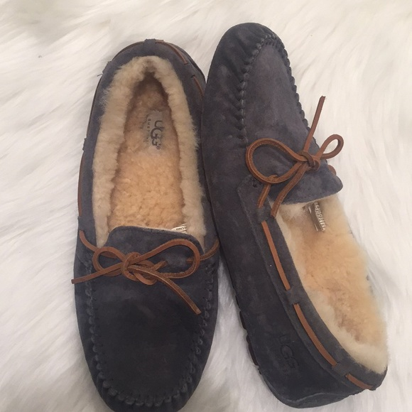 6f9ac29b896 UGG Dakota grey suede moccasin /slippers with bow