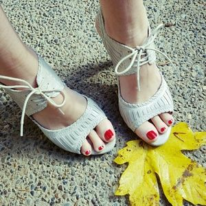 Killer, ALDO, lace up heels!!