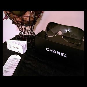 💕CHANEL 💕 Sunglasses