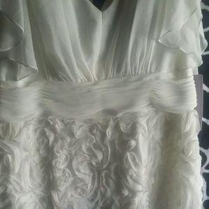 NWT WOMEN'S FORMAL DRESS