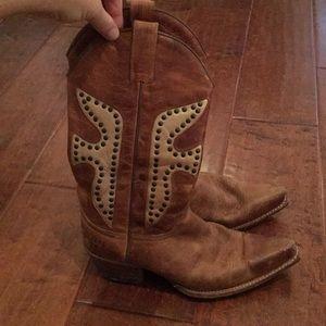 FRYE studd boot 7 perfectly worn in