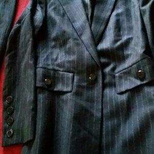 Dana Buckman pant suit