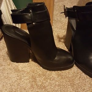 Black cut out booties. Forever 21