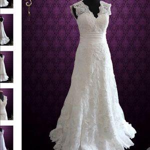 Dresses & Skirts - NWT Lace Cap Sleeve Wedding Dress