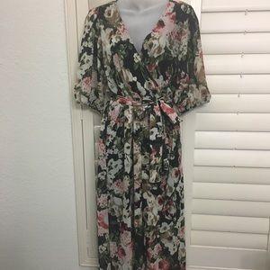 Floral quarter sleeve dress