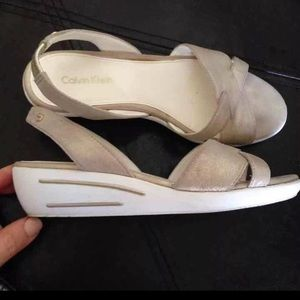Calvin Klein size 5.5 very comfy Shelby sandals
