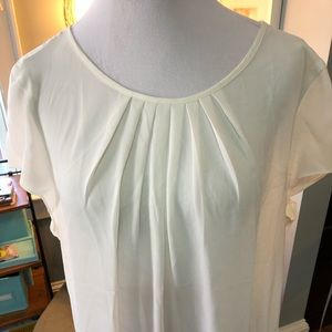 Ann Taylor cream peplum blouse. Sz XL. GUC!