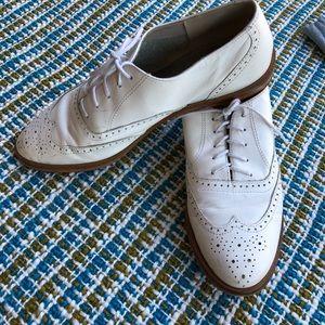 Super cute vintage saddle shoes