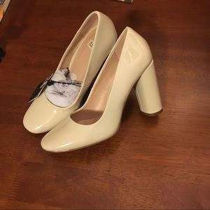 Zara Cream Patent Pumps with Block Heel, sz 5
