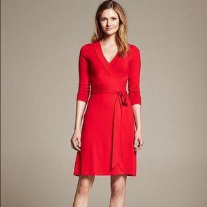 BR Wrap Dress EUC 💃🏾