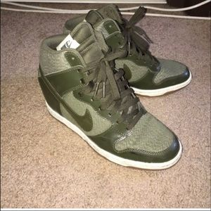Nike Hunter Green Wedges
