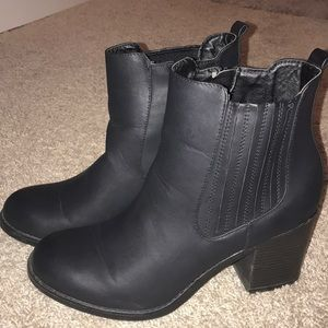 Black ankle boots size 10