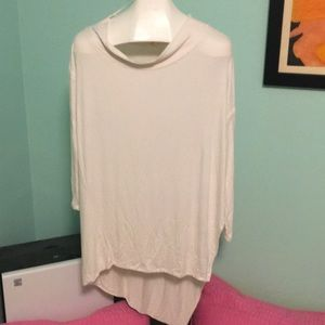 Cute cream colored long sleeved top!