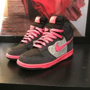 Nike Dunk High Limited Edition