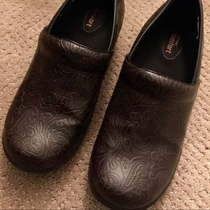Brown Tooled Clogs