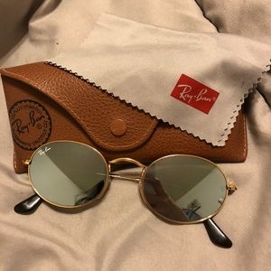 Oval ray ban sunglasses