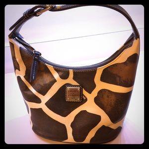 Dooney purse in mint condition