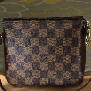 Authentic Louis Vuitton Damier Pochette