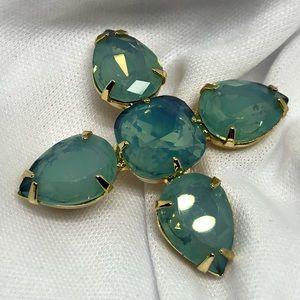 🆕Vintage Gold & Glass Opal Pin