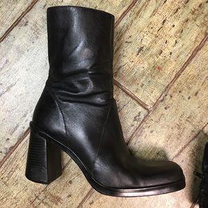 Mia black ankle boots 6 1/2 m