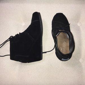 Toms suede wedge booties black 6.5