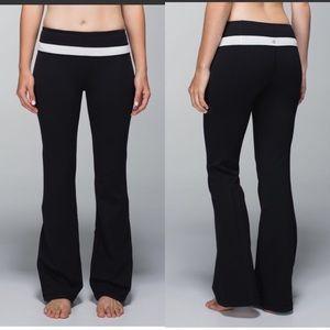 Lululemon Groove Black and White Pant Regular