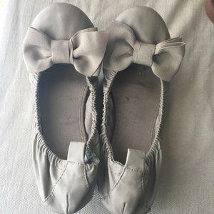 Tan bow ballet flats