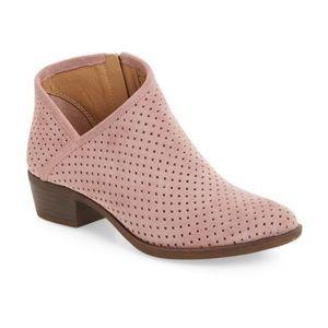✨ Lucky Brand Breeza Boot ✨