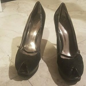 GUESS Black open toe heels