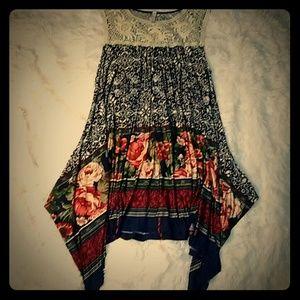 Multipattern crochet tunic