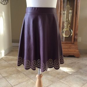 💥💥Stoosh faux leather perforated skirt. Small🌹
