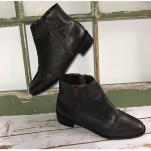 CLEO Ankle Booties Brown Leather. Classic style
