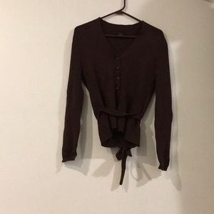 Brown button long sleeve cardigan.