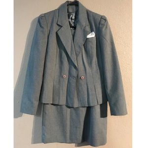 Sz 3/4 Laurice Grey Pinstripe Suit Jacket & Skirt