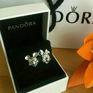 Pandora Disney minnie and. Mickcy mouse charmas