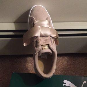 NWT Puma Suede Heart Safari Sneakers 9
