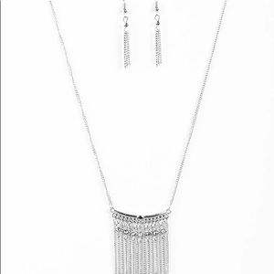 Curtain Falls Necklace Set