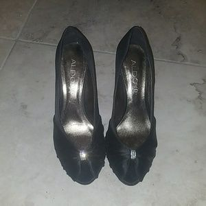 Black open toe pumps size 9