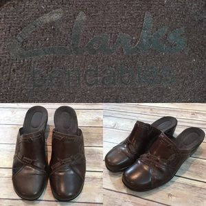 🌳Sz 8 M Clarks Bendables Leather Slide On Mules
