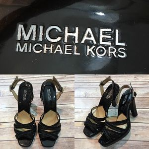 🌳Sz 8 M Michael Kors Black Leather Strappy Heels