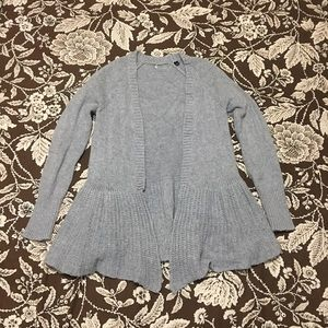 Cozy gray sweater, size small