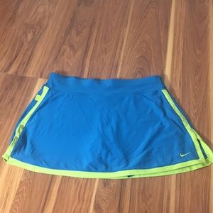 Nike Dri-fit size Med turquoise tennis sport skirt