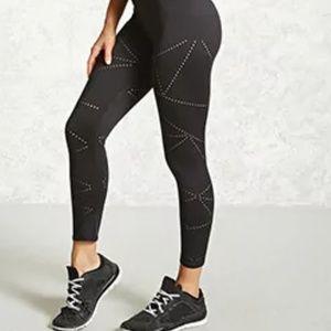 Forever 21 Black Active Leggings Size M
