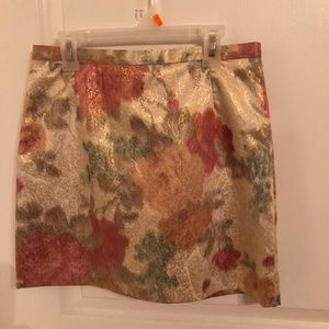 Shiny gold floral print skirt
