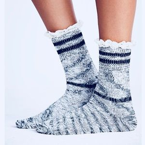 Free People Lawesome Ruffled Socks