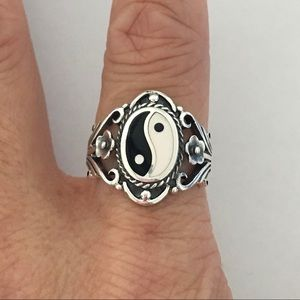 Jewelry - Sterling Silver Yin and Yang Ring