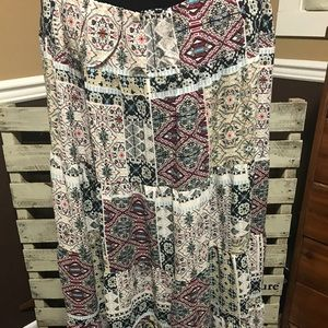 Flowy patterned skirt
