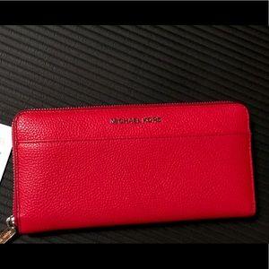 Michael Kors Wallet **New w/ Tags**♥️