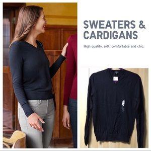 Uniqlo Linen Blended V Neck Sweater